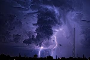 eye of the storm: Photos, Thunderstorms, Lightning, Mothernatur, Purple, Stormy Sky, Beautiful, Mothers Natural, Eye