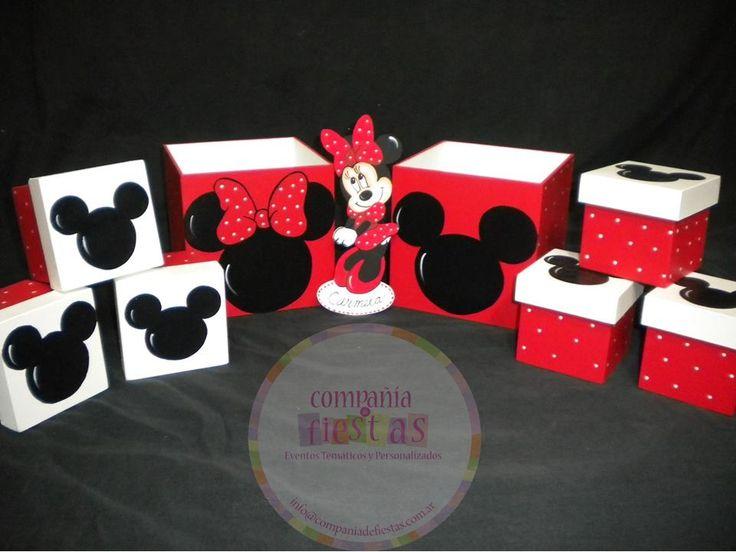 #PartyFavors #Souvenirs #MickeyMouse #Minnie Cajitas de madera pintadas a mano  Figuras temáticas