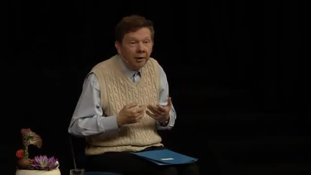 Transcendence through stillness! Eckhart shows how our sense of self extends from a profound spiritual reality and understanding it can lead to a larger, deeper identification with all that is.