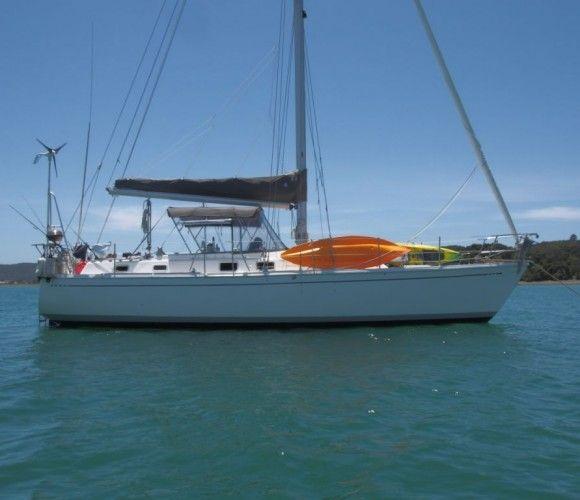 Offshore 40 – Defiant | Jeff Merrill Yacht Sales +1 949.355.4950Jeff Merrill Yacht Sales +1 949.355.4950