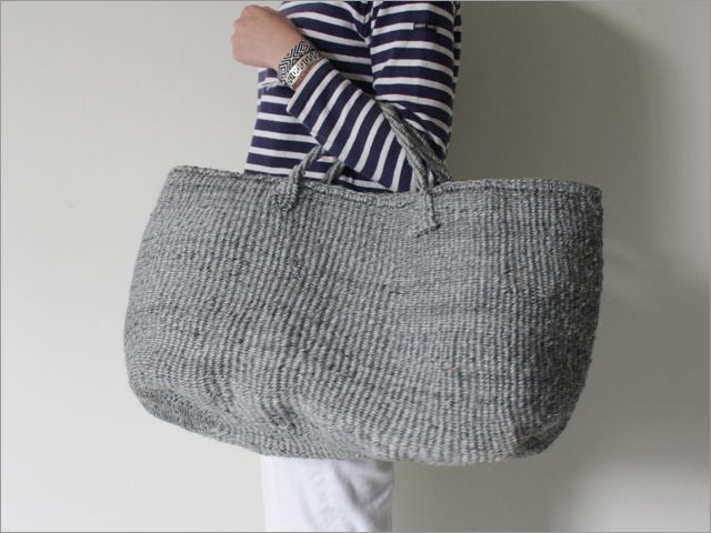 bagGrey Bags, Crochet Bags, Crochet Style, Knitted Bags, サイザル トートバッグ, Beach Bags, Big Bags, Gray Bags, Diy Crochet
