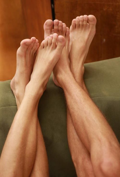 Das video wide male foot fetish pee video
