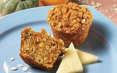 Par Marie-Claude Lorsque l'on devient parent, cuisiner de bonnes collations pour nos rejetons devient soudainement une priorité. Dès que mes garçons ont commencé l'alimentation solide, j'ai commencé à leur cuisiner une variété de muffins dans lesquels  je m'amusais à cacher des éléments nutritifs. Voici quelques idées pour vous aider à métamorphoser vos muffins.