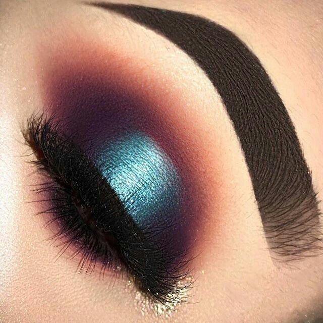 Beautiful Green Eye Shadow Makeup