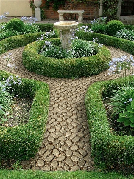 Paths that absorb carbon from the environment. Making them carbon neutral #eco #garden #path