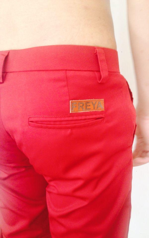 Freya chino pants maroon, more info: +628982377867, @freyabali.