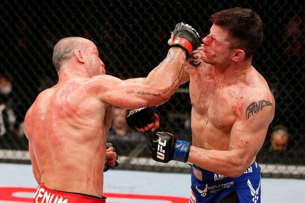 Wanderlei Silva KO's Brian Stann At UFC on Fuel TV 8