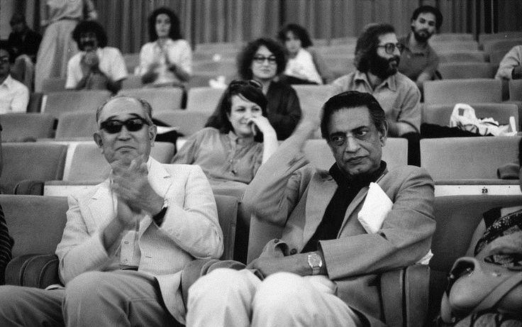 site: http://iamhijibijbij.blogspot.com/  Satyajit Ray and Akira Kurosawa, Two Great Film Directors of All time at the 1982 Venice Film Festival in Italy..
