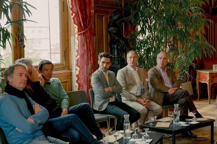 Le jury du prix #BotanyforChange- ALAIN BARATON – Jardinier en chef du Parc du Château de Versailles et du Domaine National du Trianon  - MARC JEANSON – Responsable de l'Herbier National du Muséum d'Histoire Naturelle  - DAVID JEANNEROT RENET – Jardinier urbain, plantiste rock. Fondateur du concept store Les Mauvaises Graines. - STEPHANE MARIE – Animateur de l'émission « Silence ça Pousse » (France 5) - ERIC CHIRON – Paysagiste professionnel /  - BRUNO SUET – Photographe spécialisé en…