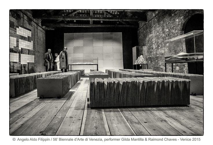 https://flic.kr/p/MTY3bE   56' Biennale d'Arte di Venezia, performer Gilda Mantilla&Raimond Chaves / Venezia 2015