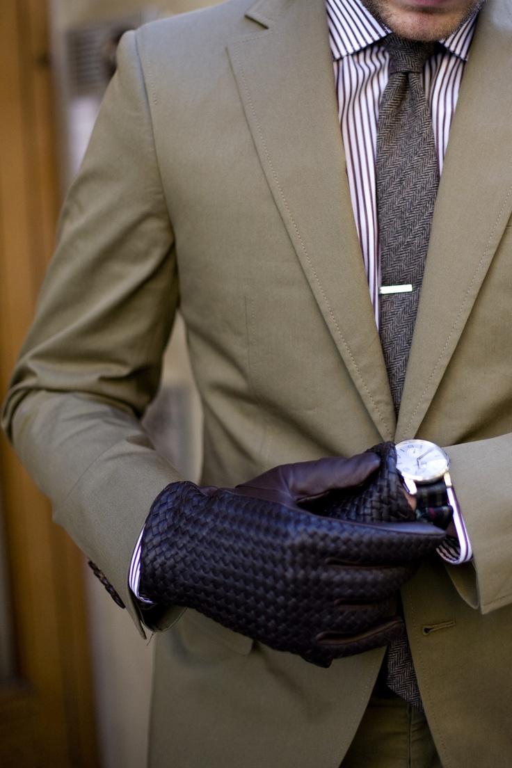 how to break in tweed straps watch
