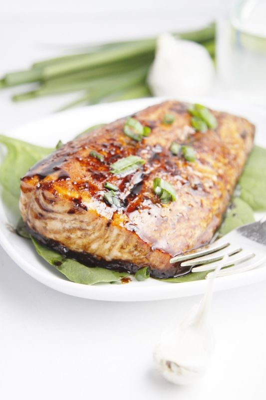 Balsamic and raisin glazed salmon recipe christmas eve for Christmas eve fish recipes