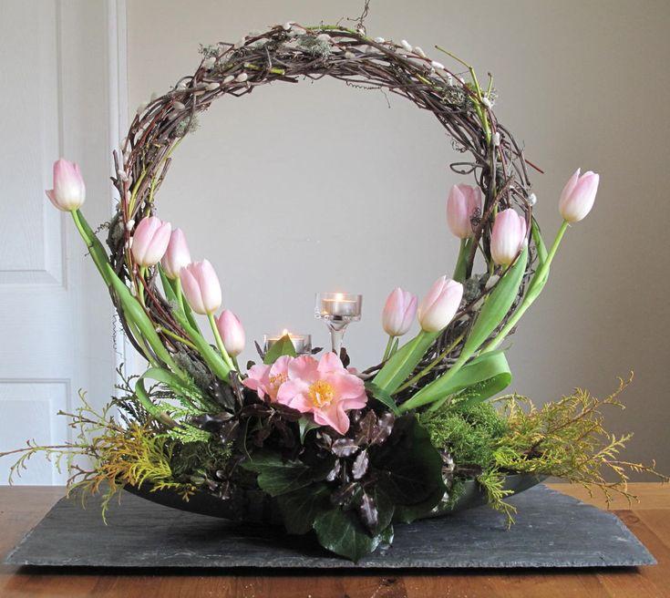 Inverted Crescent Arrangement: Crescent Shaped Flower Arrangements ...