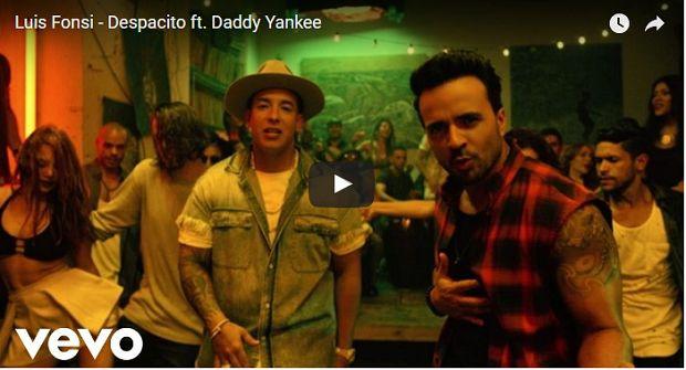 """(Vídeo) """"Despacito"""" se convierte en la primera canción en español en ser número 1 en EU en 20 años - http://www.esnoticiaveracruz.com/video-despacito-se-convierte-en-la-primera-cancion-en-espanol-en-ser-numero-1-en-eu-en-20-anos/"""