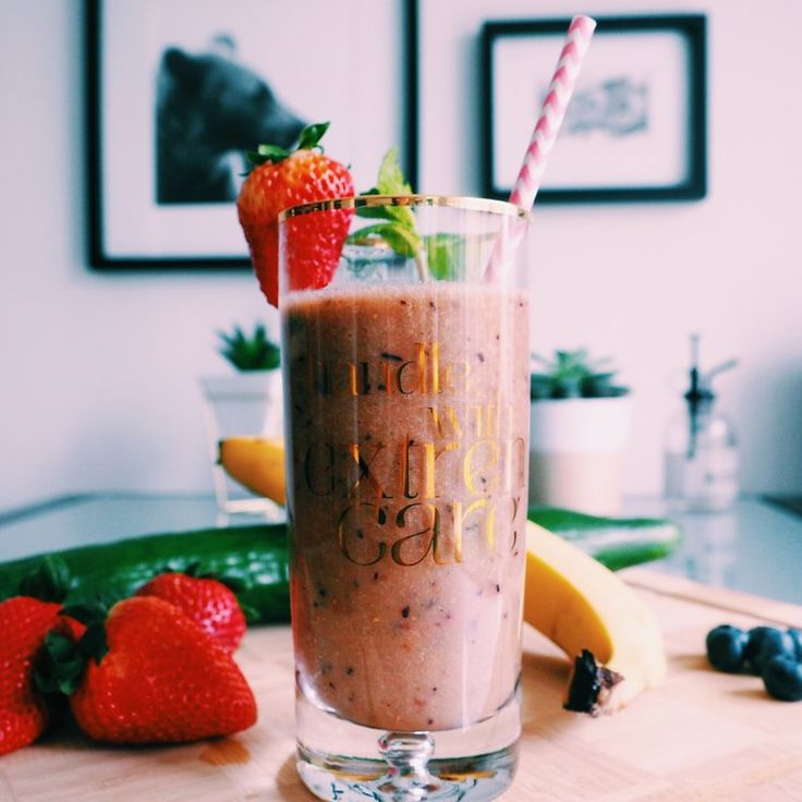 RECIPE | GREEN BERRY SMOOTHIE FOR HEALTHY HAIR (VEGAN)— CHRISTIE AT HOME