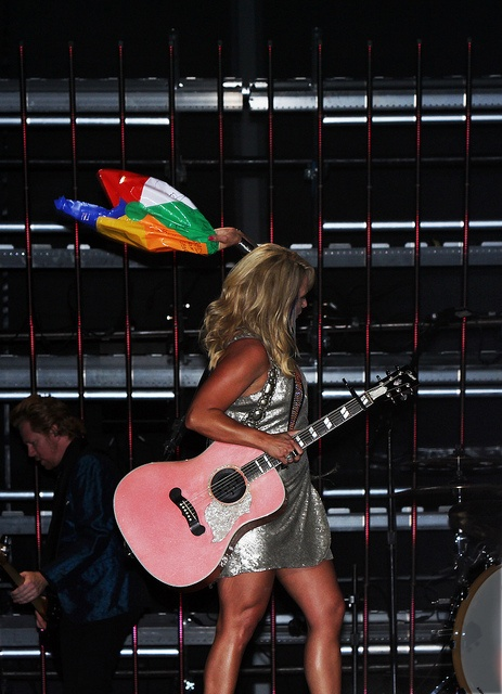 Miranda Lambert Pops And Throws Away A Poor Little