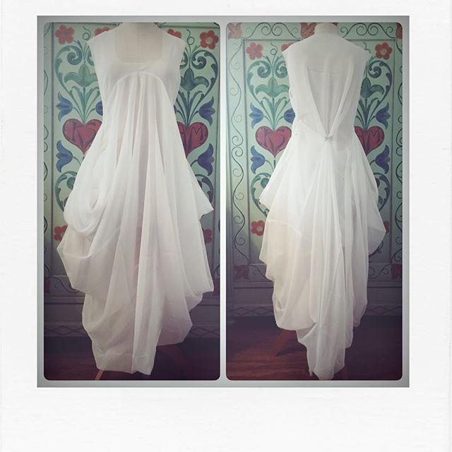 Still no good weather for photos outside. Here my #subtractioncutting #weddingdress in it's full glory. Hope you like it as well, I am darn proud of it! . . #weddingdress #wedding #sewingdresswithoutpattern #sewerofinstagram #sewingdresses #butzeria #newthings #becreative #swissdesign #swissdesigner #swisssmallbusiness #tryingnewthings #beproud #itsdarling #fashion #fashiondesign #fashiondesigner #switzerland #nähenmachtglücklich