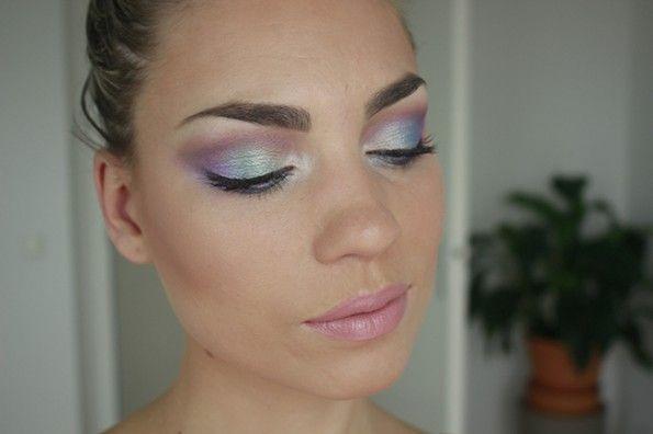 Stap voor stap tutorial met het Sleek Snapshots oogschaduw palet. Bekijk de tutorial op Misslipgloss.
