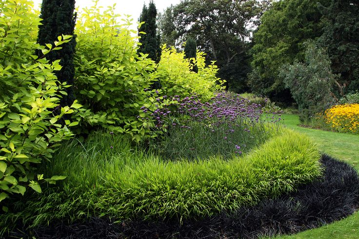 Garden LOVE: Love this design...at once both structured and unrestrained