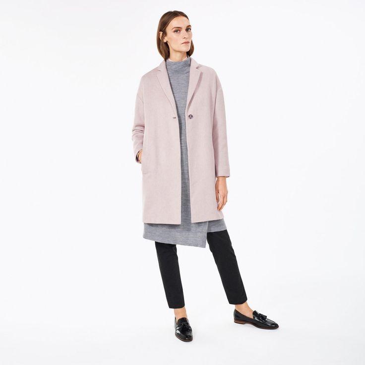 GANT Wollen jas met enkele rij knopen van een Italiaanse wolmix. Uitgevoerd in zacht grijs en roze, de perfecte kleurenmix voor het tussenseizoen.