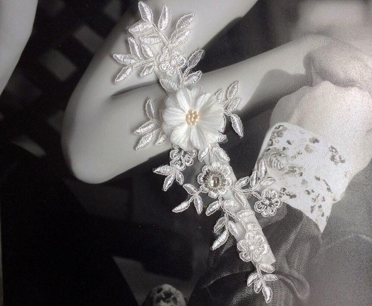 Beautiful Off White Single Lace Wedding Garter Elegant Light Ivory Set With Crystal Vehicles Bone Throw Toss