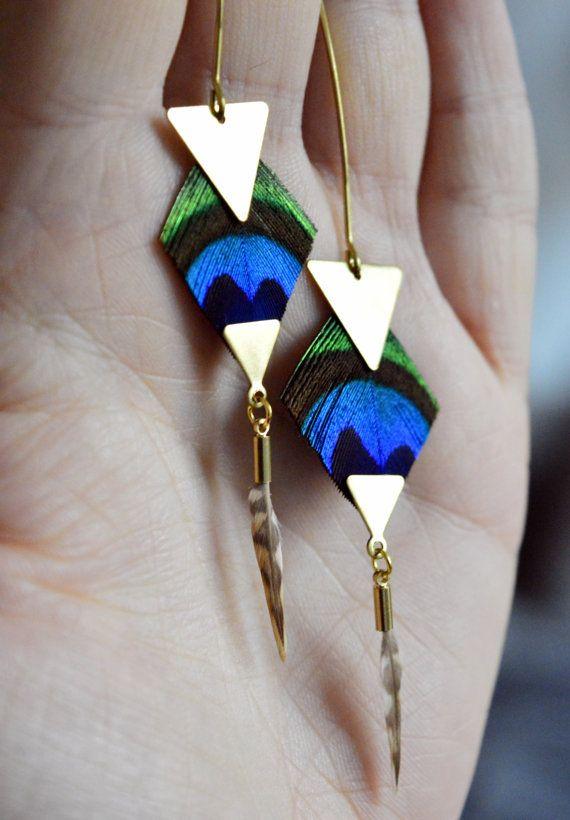 Boucles d'oreilles plumes de paon losange par helenecreationbijoux