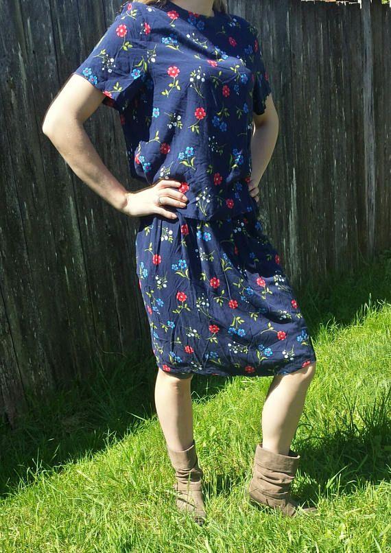 Blue floral grunge l top and skirt/Sag Harbor/90's