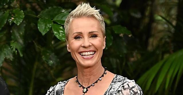 Sonja Zietlow Fruher So Sah Sie Mit Langen Haaren Aus In 2020 Sonja Zietlow Dschungelcamp Promis