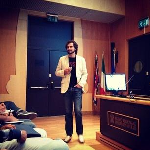#smw12 Mirko Pallera inizia raccontando la genesi del nome Ninja Marketing #smwtorino