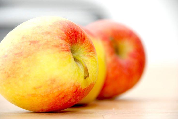 Bondepige med slør - klassisk æblekage med ristet rugbrød