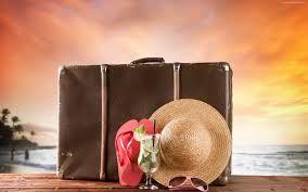 walizka?-to chyba podstawa podstaw! no bo przecież gdzie zmieszczę swoje wspomnienia! :)