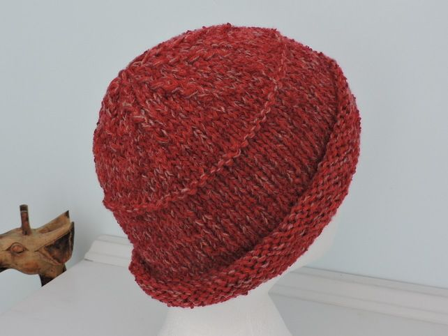 Beanie Hat for Adults Red Hand Knitted £10.00 54ba21588f5