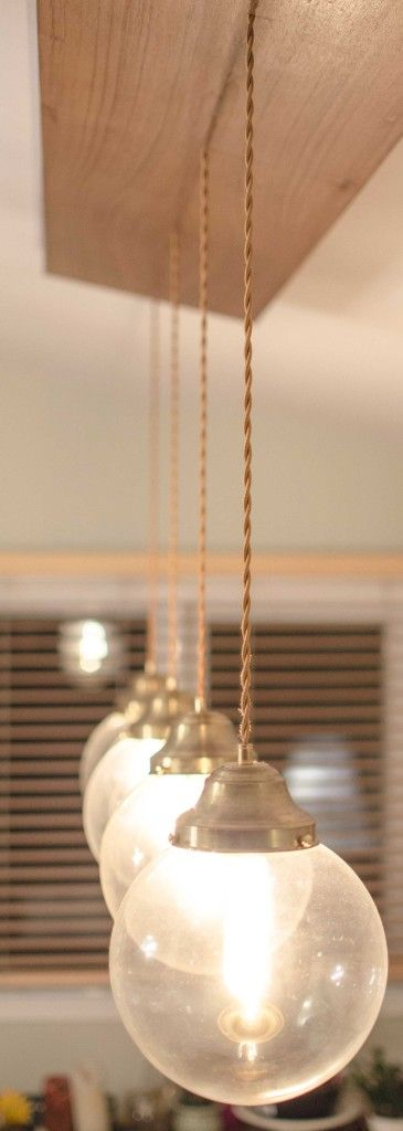 Globes de verre lumineux & boitier en placage de Teck - Les Ateliers Hervé