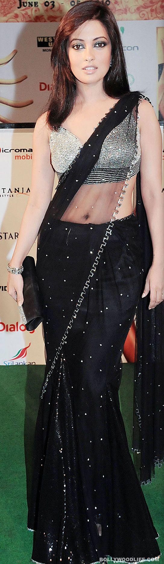 RiyaSen in black color Designer #Saree