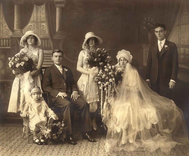 1000+ Ideas About Victorian Wedding Dresses On Pinterest