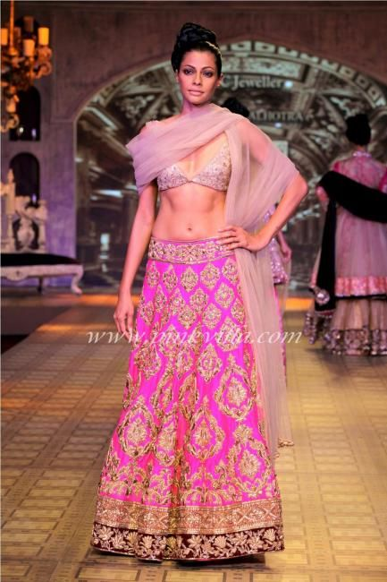 Manish Malhotra show at PCJ Delhi Couture Week | PINKVILLA