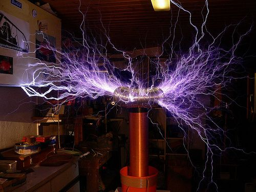 Tesla generator facts, projects and experiments. http://www.teslageneratorplans.net/ Tesla Hochspannung HV