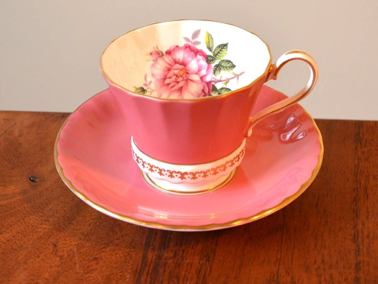 Antique Aynsley England Bone China Tea cup and Saucer - Solid Pink with single large rose, Gold edging by Trashtiques on Etsy https://www.etsy.com/ca/listing/504405586/antique-aynsley-england-bone-china-tea