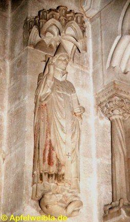 Statue von Papst Clemens II. (1046-1047) am ersten Pfeiler der nördlichen Chorschranken des Bamberger Doms.