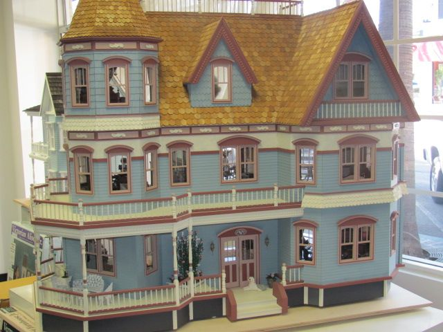 Queen Anne Dollhouse Finished Queen Anne Dollhouse