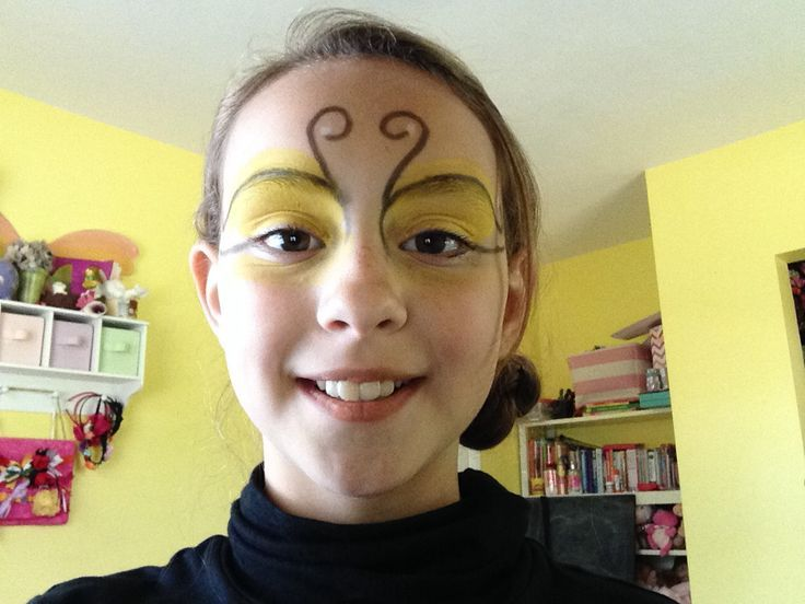 Bee face paint
