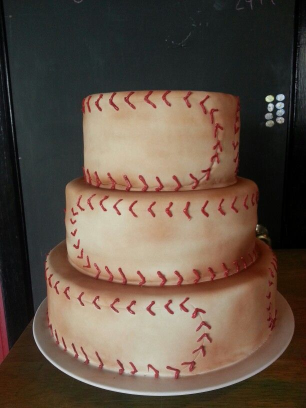 Baseball wedding cake by ashleysdesignercakes.hpage.com