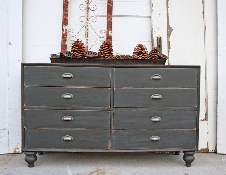 299 best Amber Star Drive House ideas images on  : 94562950531afb9452394c0bb1a680b4 chalk paint dresser gray dresser from www.pinterest.com size 736 x 569 jpeg 56kB