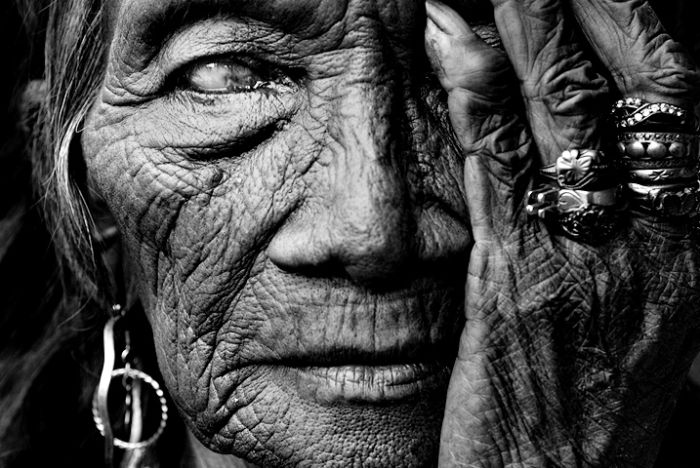 TOP 10 most famous portrait photographers in the world  http://www.boredpanda.com/top-10-photographers-for-travel-portraits/