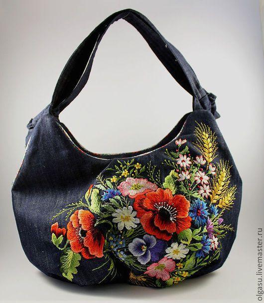 """Женские сумки ручной работы. Ярмарка Мастеров - ручная работа. Купить Летняя джинсовая сумка """"Узелок - маки полевые цветы"""" вышивка гладью. Handmade."""