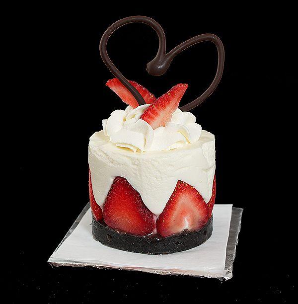 Yogurt Mousse Cake with Strawberries