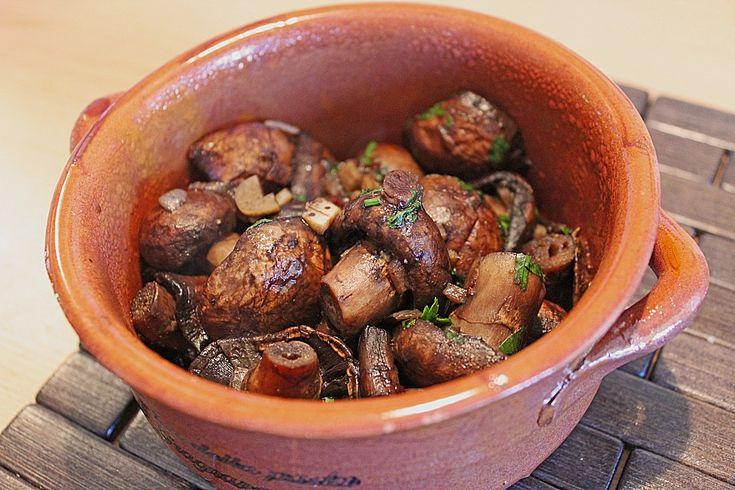 Tapas - Champignones al jerez, ein raffiniertes Rezept aus der Kategorie Kalt. Bewertungen: 88. Durchschnitt: Ø 4,5.