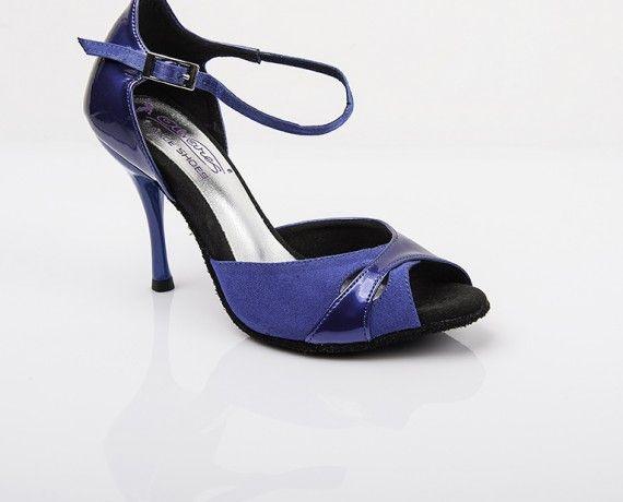 Chaussure de danse et de mariage haut de gamme, fabrication italienne, 100% personnalisable. Souple et confortable. Modèle Valentine ici daim et vernis bleu.
