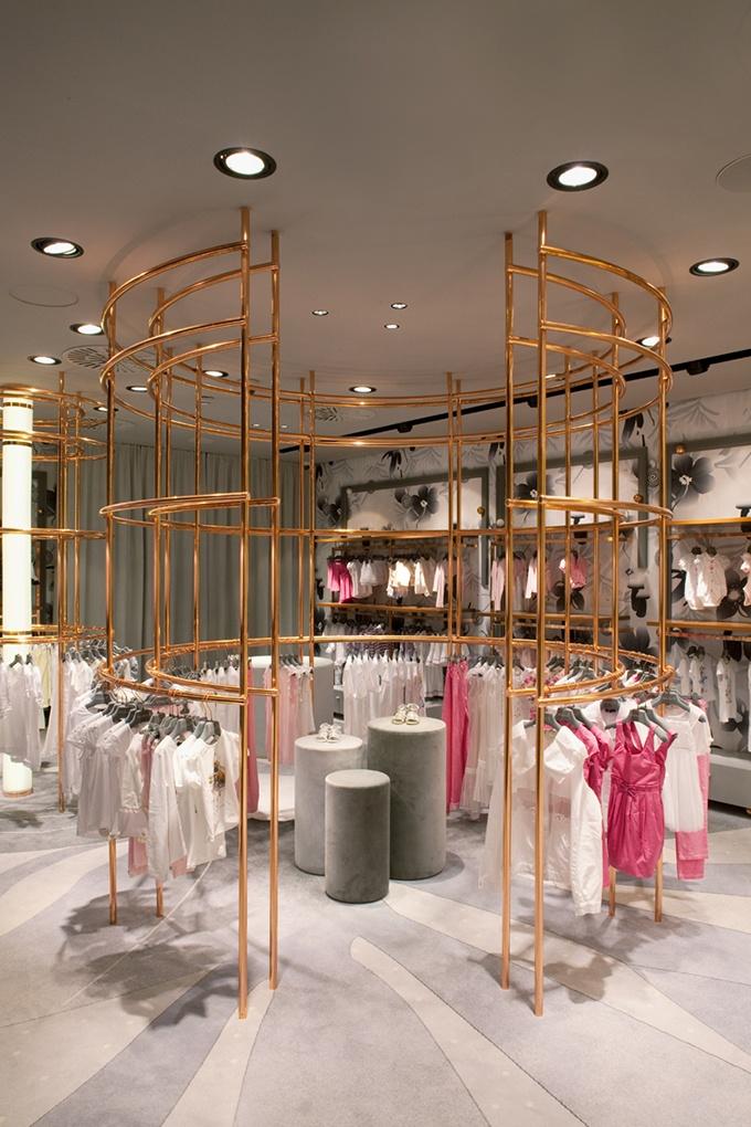 The store carries some high-end brands like Armani Junior, Fendi, Gucci, La Perla, Roberto Cavalli, Versace Young and Missoni.