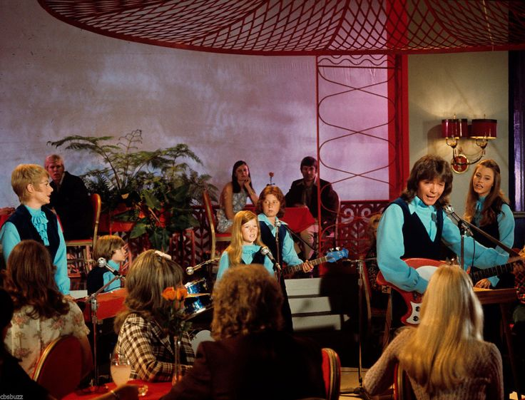 an analysis of the partridge family a television show With shirley jones, david cassidy, susan dey, danny bonaduce shirley is  surprised to learn that an old boyfriend is in town to make a speech it turns out  he is.